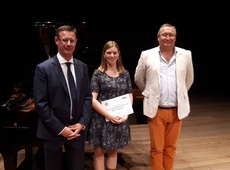 Annelies Wydaeghe wint Izegemse stadsprijs Octave Sintobin 2016-2017