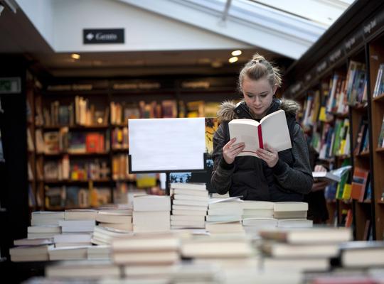 """""""Nog nooit zoveel boeken geleend bij de Izegemse bibliotheek"""""""